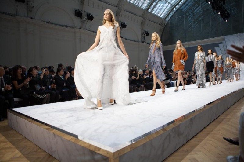 Heavy and light make the catwalk