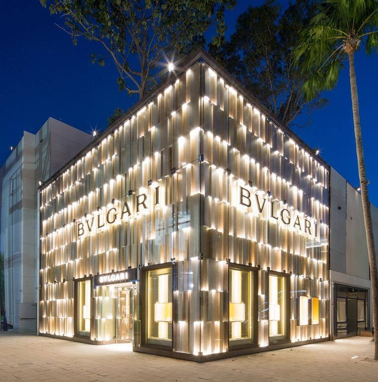 10/10 : 10 high end fashion stores in 10 cities worth travelling for.